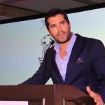Eduardo Verástegui en el desayuno subasta del Teletón Cancún (Video)