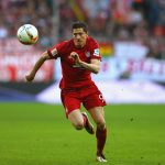 Lewandowski abandona entrenamiento por problemas en el muslo