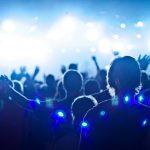 ¿Cuál es la diferencia entre alabanza y adoración?