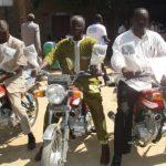 Evangelizando sobre dos ruedas en Chad