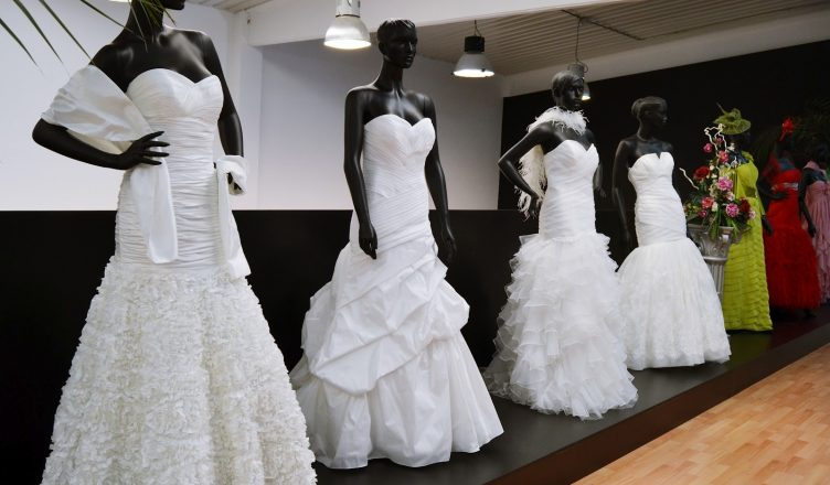 empresaria cristiana amenazada por no vender vestido de novia a