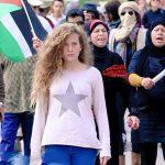 La adolescente palestina Ahed Tamimi permanecerá en prisión hasta el final del juicio