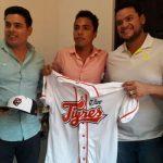 Ricardo Rivero, es el primer cancunense firmado por los Tigres de Quintana Roo