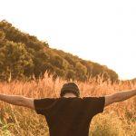 Ventajas y desventajas de una vida con Dios y una sin Dios