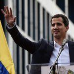 Juan Guaidó jura ante Dios liderar la presidencia de Venezuela