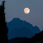 Este martes podrás observar la 'Superluna de nive'