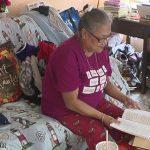 Mujer se salva de bala perdida mientras estudiaba la Biblia durante tiroteo